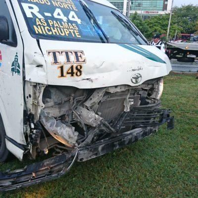 CAMIONETA VS TTE: Accidente en la Nichupté de Cancún deja cinco heridos