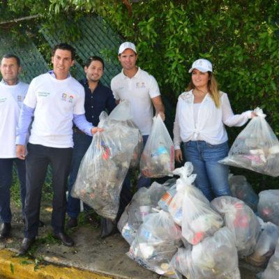 Realizan limpieza del Sistema Laguna Nichupté en Cancún
