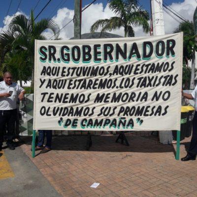 """QUE LOS DIPUTADOS LOCALES """"DAN ASCO"""": Protestan taxistas de Playa del Carmen contra regularización de Uber"""