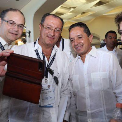 CONVENCIÓN DE NOTARIOS EN CANCÚN: Dice Carlos Joaquín que el notariado no debe ser espacio para prebendas políticas