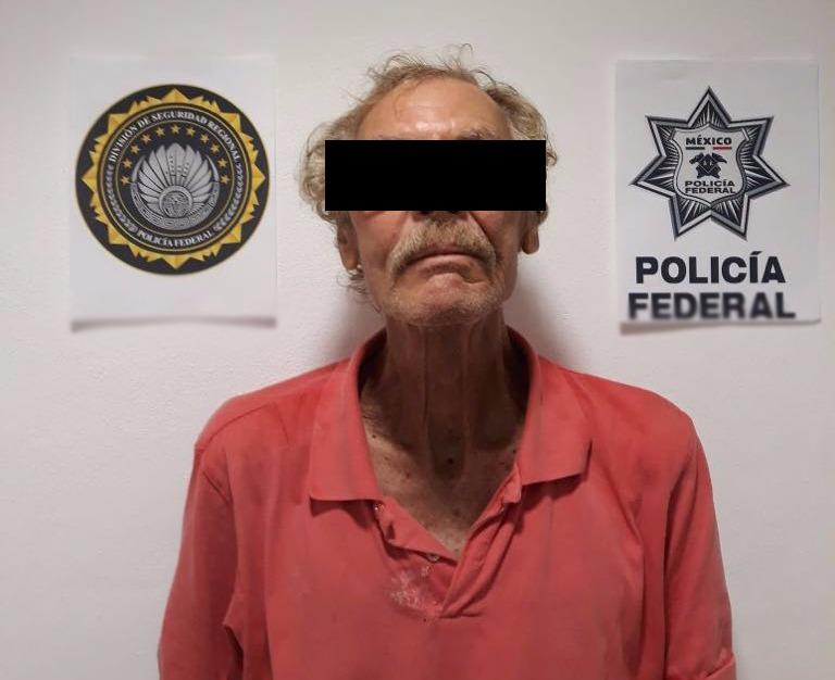Detienen en Puerto Morelos a septuagenario estadounidense buscado en California por explotación sexual de menores