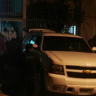 Matan a un hombre en el interior de un departamento de la Región 96 de Cancún.