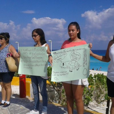 Protestan universitarios y ciudadanos contra proyecto Gran Solaris Cancún