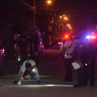 BALEAN A UN HOMBRE AFUERA DE SU CASA: Sicarios en moto atacan a una persona en la Región 223 de Cancún
