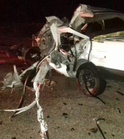 TSURU SE DESPEDAZA CONTRA CAMIONETA: Un muerto y un herido en aparatoso accidente en Bacalar