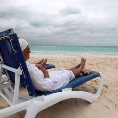 Falta infraestructura adecuada para 'baby boomers' en destinos turísticos de Quintana Roo