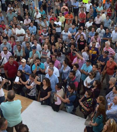 RESPALDA ALCALDE PROTESTA DE CLIENTES DE FNS: Da Remberto Estrada apoyo a quienes reclaman a SEIDO con cierre de avenida y espera que problema se solucione pronto