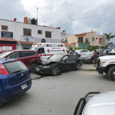 Policías ministeriales involucrados en carambola que dejó saldo de 3 mujeres heridas | FOTOS