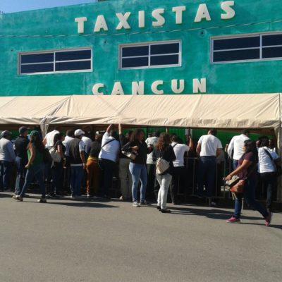 """""""ABRAN LAS PUERTAS"""": Con conato de bronca, inicia la votación para elegir al nuevo líder de taxistas en Cancún"""