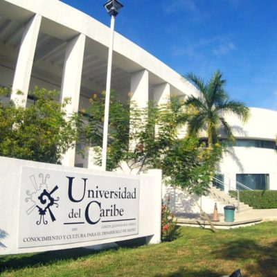 Presentan alumnos de la Unicaribe aplicación 'Karen' contra violencia