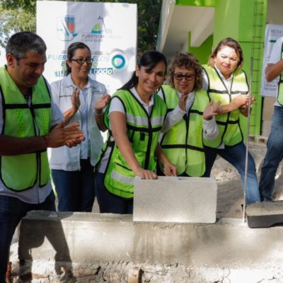 Da Alcaldesa banderazo para ampliación de dispensario médico en Puerto Morelos