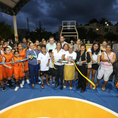 Entrega comuna a vecinos parque rehabilitado en Galaxia I de Playa del Carmen