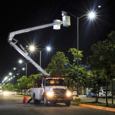 Rehabilita Solidaridad más de 22 kilómetros de luminarias de la carretera federal
