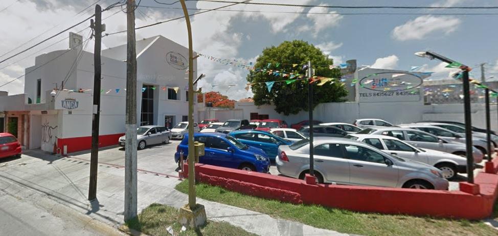 Intento de asalto en Autos Chichén de Cancún deja baleado