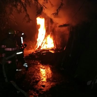 Fuego consume una bodega en Cancún