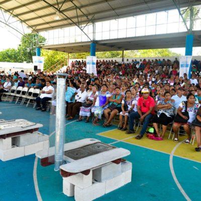 Entrega Gobernador estufas ahorradoras en la Zona Maya