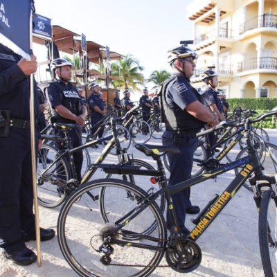 Entrega Alcaldesa equipamiento a la Policía Turística de Playa del Carmen