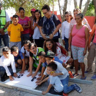 Colocan primera piedra para construcción del parque de Villas la Playa