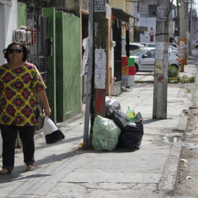 ¿REGALO DE NAVIDAD EN CANCÚN?: Se acumula la basura en las calles tras los festejos de Nochebuena y Navidad | VIDEO