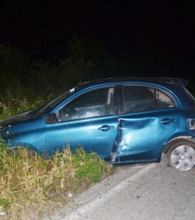 Se estrella vehículo en Carrillo Puerto tras perder llanta