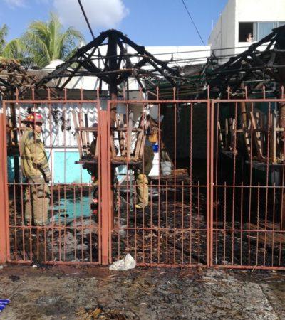 Incendio consume restaurante en Cancún