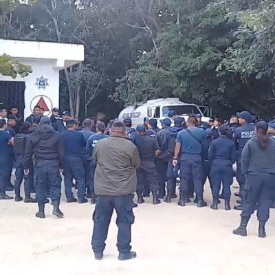 """PROTESTA DE POLICÍAS EN TULUM: Exigen agentes incremento salarial y uniformes nuevos porque """"no contamos con lo necesario para trabajar"""""""
