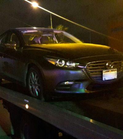 Por estar mal estacionado, policías encuentran un vehículo robado