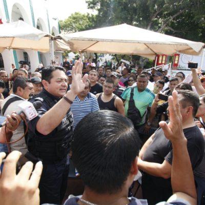 SE REAVIVA PROTESTA DE POLICIAS EN CANCÚN: Tras mediación fallida, agentes marchan al Palacio para exigir pagos del Fortaseg
