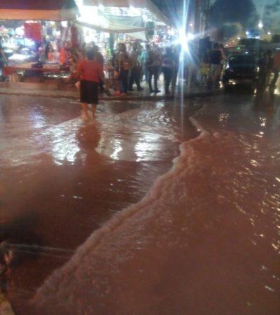 Error humano provoca inundación en calle aledaña al Crucero