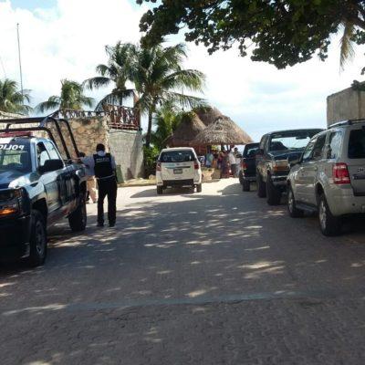 Denuncian que hotel se apropia de cerrada de calle 16 en Playa del Carmen