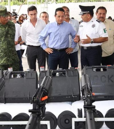 REFUERZAN A POLICÍA ESTATAL EN CANCÚN: Entrega Gobernador equipo por un monto de 7.7 mdp que consiste en 200 armas cortas y larga