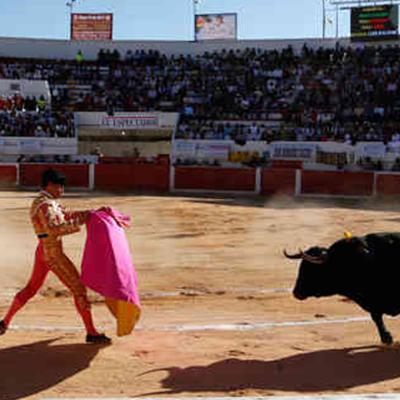 ALISTAN EN CANCÚN GOLPE A LOS TAURINOS… Y A LOS 'ALEGRES': Prohibirán corridas de toros… y analizan suspender la venta de alcohol los domingos