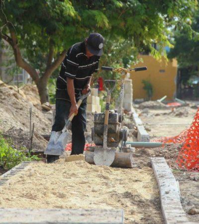 Con inversión de 8 mdp, comienzan la construcción de banquetas y guarniciones en la colonia 23 de Enero de Puerto Morelos