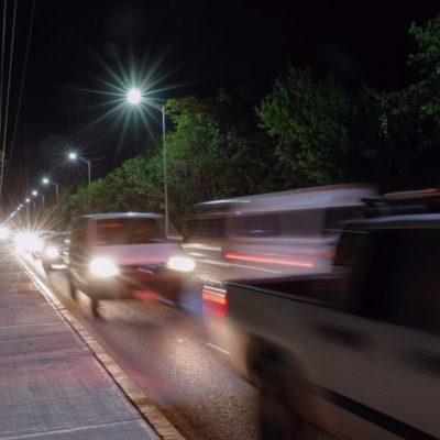 Estrena zona turística de Puerto Morelos nueva iluminación