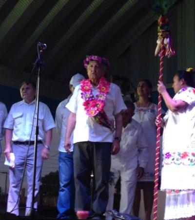 RECIBEN A AMLO CON UNA 'LIMPIA' EN EL KM 80: Por primera vez, un candidato presidencial visita comunidad de Lázaro Cárdenas