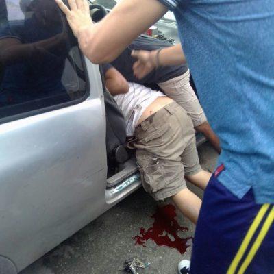 OTRO EJECUTADO POR LA 95 DE CANCÚN: Muere hombre acribillado con armas largas cuando viajaba con su familia entra la Comalcalco y Kinik
