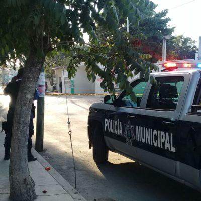 APARECEN RESTOS DE DECAPITADO EN TULUM: En el arranque del 2018, abandonan cabeza junto a narcomanta afuera de escuela Julio Ruelas