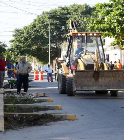 Retiran criticados cajones de estacionamiento en la colonia Colosio de Playa del Carmen