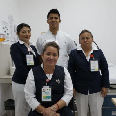 Al paciente con cariño… enfermeras celebran su día | VIDEO