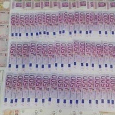 Detienen a pasajero con más de 700 mil pesos en el aeropuerto de Cancún