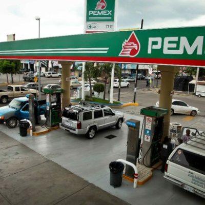 Falta competencia para bajar costos de combustibles, reconoce delegado de Economía