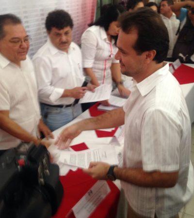 Se sacude Pedrito a Félix González, Carlos Hernández, Sara Latife y otros en su registro como aspirante del PRI a la Alcaldía de Cozumel