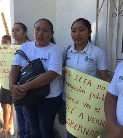 Protestan promotores del IEEA en Carrillo Puerto
