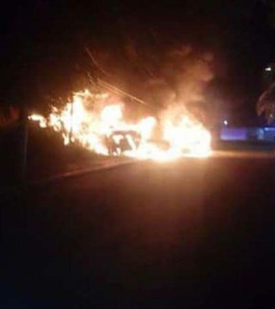 Incendian tres camionetas en Chetumal