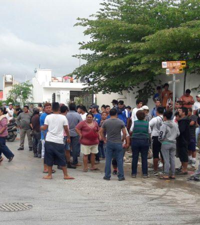 """""""LUCHAREMOS POR LO NUESTRO, PERO EN TÉRMINOS DECENTES"""": Se retiran invasores en Puerto Aventuras ante amenaza de desalojo"""