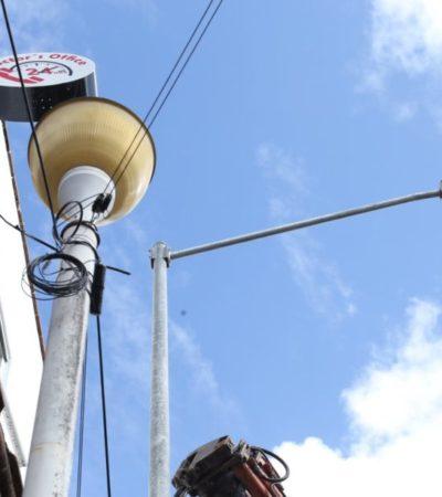 Mejoran imagen de la Quinta Avenida de Playa con la colocación de nuevas luminarias