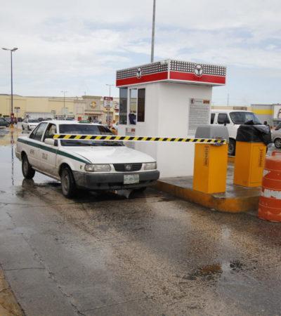 VUELVEN A LAS ANDADAS EN EL CANCÚN MALL: Vuelven a instalar la pluma del estacionamiento que el fin de semana provocó una 'revuelta' de usuarios