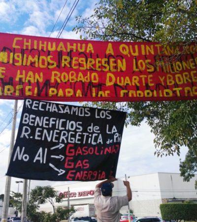 """""""LOS DE ABAJO TENEMOS QUE APECHUGAR"""": Con mantas, protestan contra gasolinazo y corrupción en Cancún"""