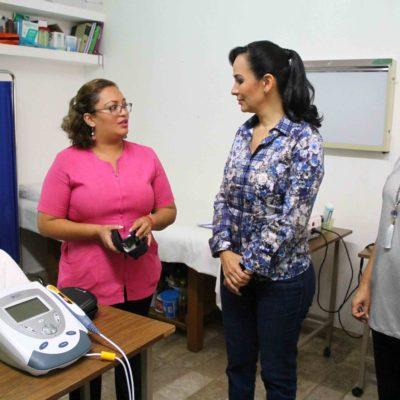 Entrega Alcaldesa apoyos a más de 300 personas en Leona Vicario y un equipo láser terapéutico a la Unidad Básica de Rehabilitación del DIF