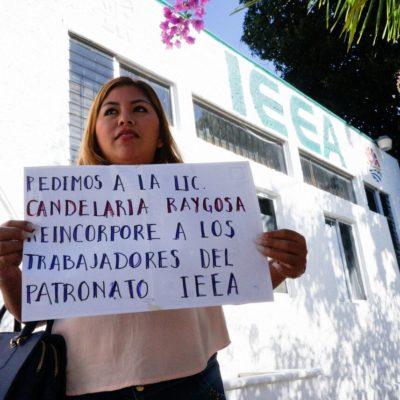 Protestan trabajadores del IEEA por cese injustificado de cerca de 40 voluntarios